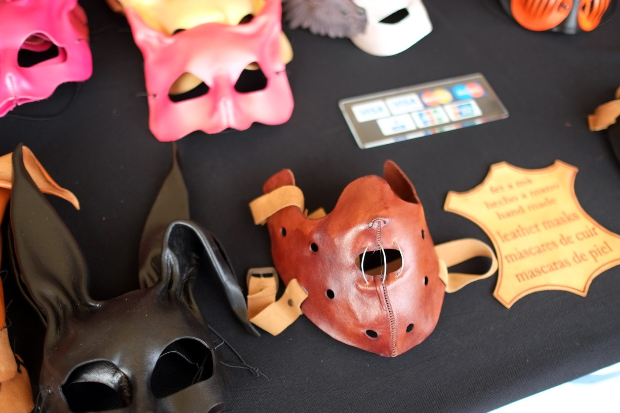 Maska Hannibal Lecter vyjde na necelých 800 Kč.